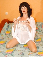 Mature mom in pantyhose means very hot!