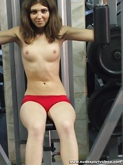 Sportsbabe gets hot enough to exercise topless
