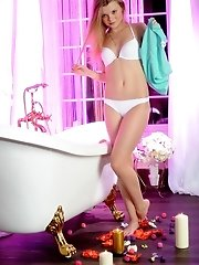 Beautiful Teen Hottie Taking Off Her Clothes And Posing Absolutely Naked In Bathroom.