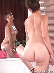 Narcissus cutie nude in front of mirror