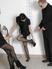 Undressed job examinee and nasty HRs