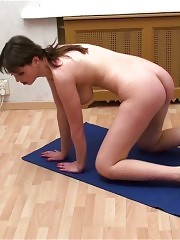 Home nude gymnastics by a chesty babe