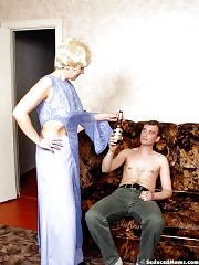 Hot and horny mom seduced young boy
