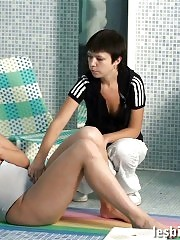 Les trainer seduces a stretching gymnast next to a pool