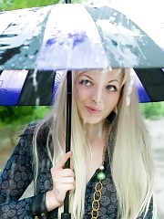 While everybody seek indoor from rain this extreme champagne girlfriend enjoy the photo session. Extra lovely outlook.
