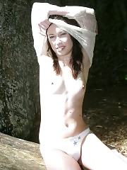 19 y.o. hottie gets naked outdoors