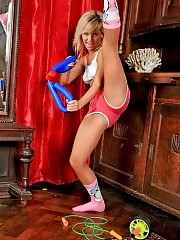 Blondie enthralls with her pantyhose workouts