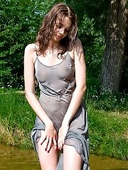 Even Cold Water Could Not Stop This Sensational Babe From Flashing Her Astonishingly Beautiful Natur