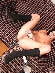 Lusting Slut Fucks Herself With A Vibro-machine